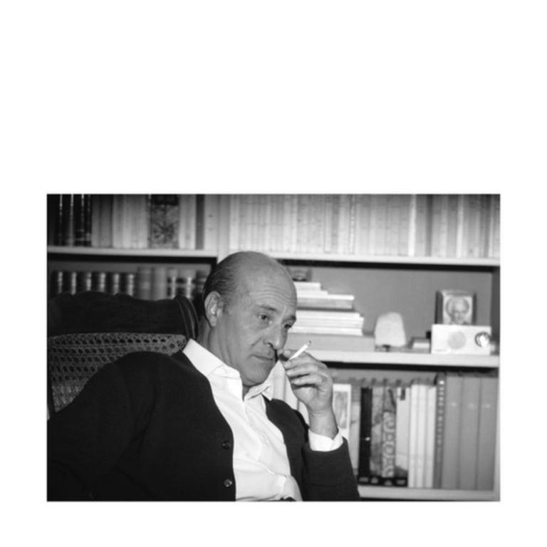 """Έκθεση φωτογραφία """"Η Ύδρα για τον Mario Vitti Γραφείο με θέα φωτογραφίες 1948 – 1981"""""""