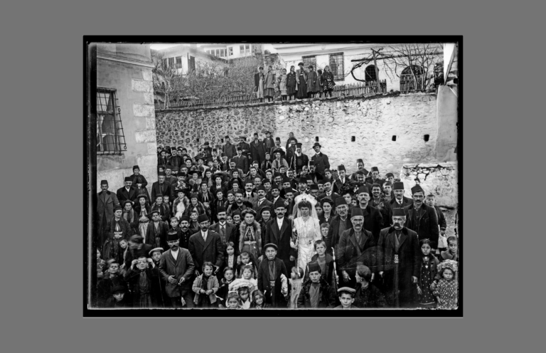 Μόνιμη έκθεση των φωτογραφιών του Λεωνίδα Παπάζογλου στο Αρχοντικό Βέργου στην Καστοριά