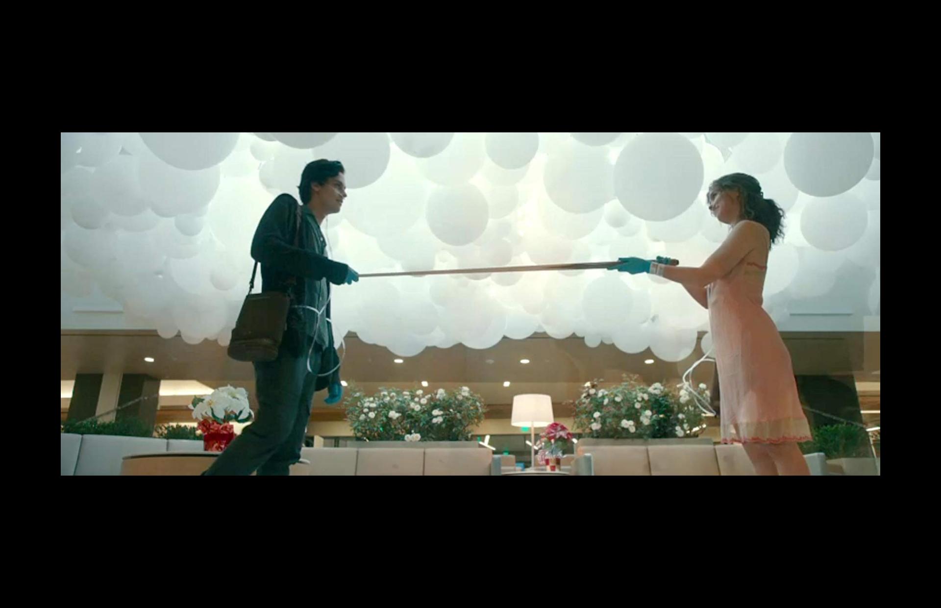 Five feet apart: μια δραματική ταινία για έναν άτυχο έρωτα